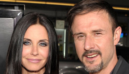 Mantenna - Courteney Cox Rejects David Arquette's Advances