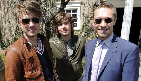 Hanson Starts Beef with Kings of Leon