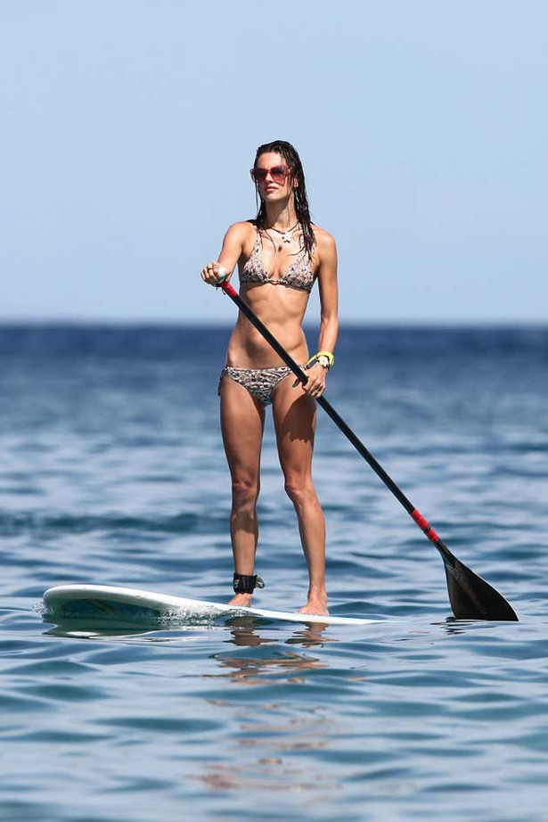 Alessandra Ambrosio Gets Her Paddle On