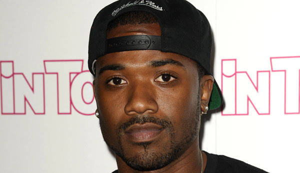 Ray J Punches Fabolous