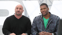 Michael Strahan Answers Your Questions LIVE!
