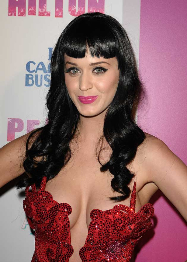 Katy Perry's Cleavage Never Gets Old