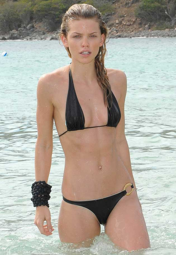 AnnaLynne McCord's Attention Seeking Bikini Photographs