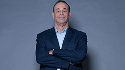 How Jon Taffer Transformed a Bar Using Chicken Wings