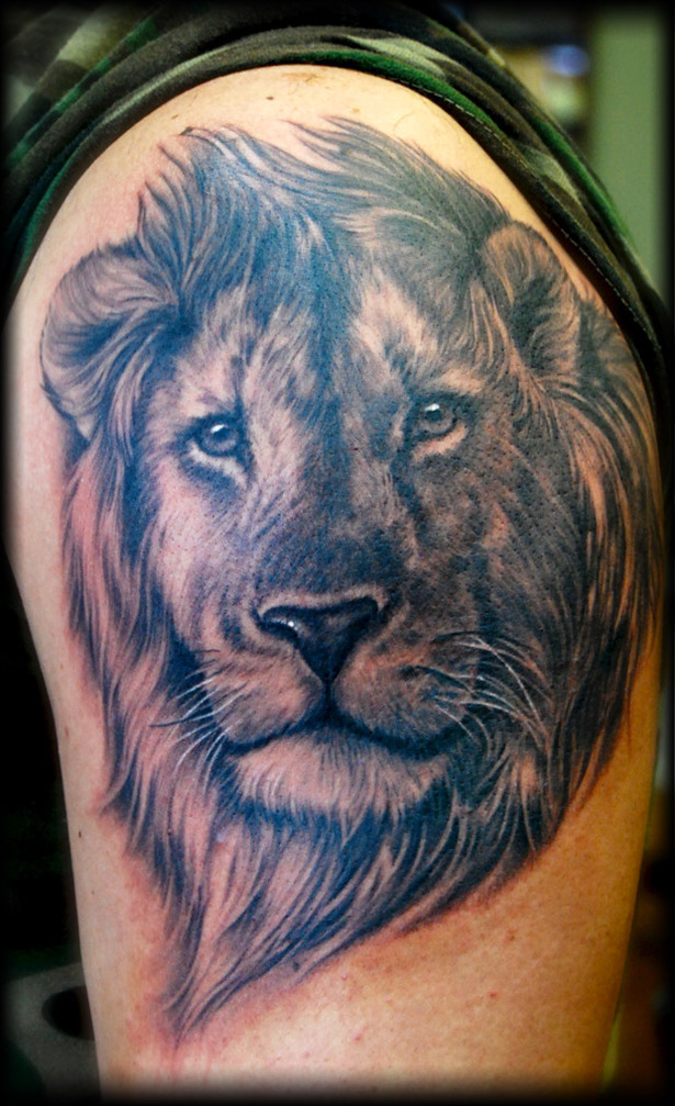 Shane O'Neill Lion Tattoo